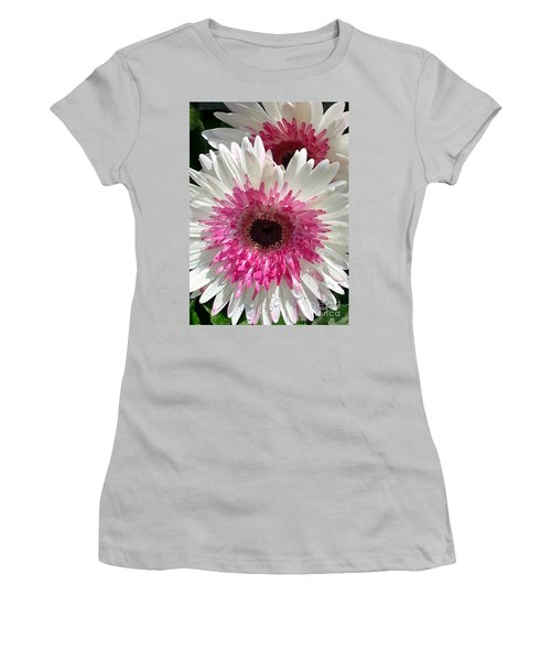 Pink N White Gerber Daisy Women's T-Shirt (Athletic Fit)