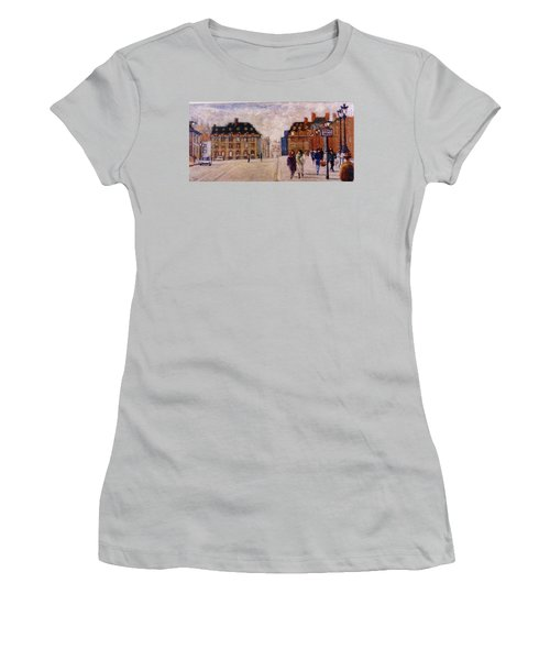 Pont Neuf Women's T-Shirt (Athletic Fit)