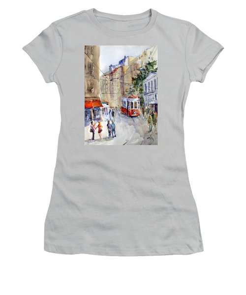 Square Tunel - Beyoglu Istanbul Women's T-Shirt (Athletic Fit)