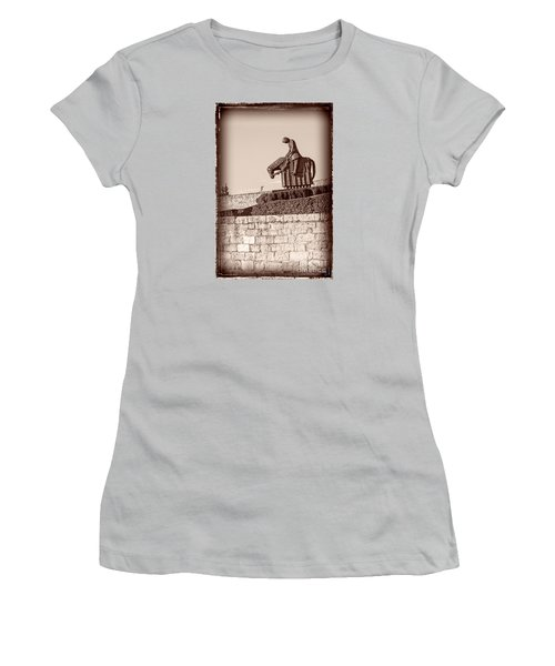 St Francis Returns From Crusades Women's T-Shirt (Athletic Fit)