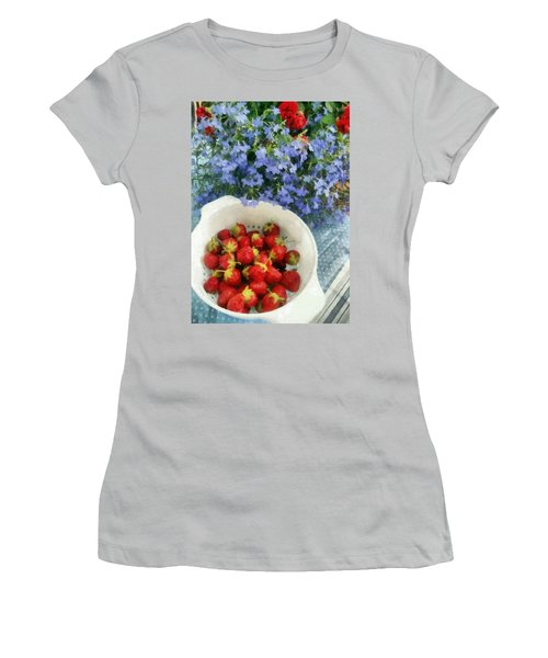 Summertime Table Women's T-Shirt (Athletic Fit)