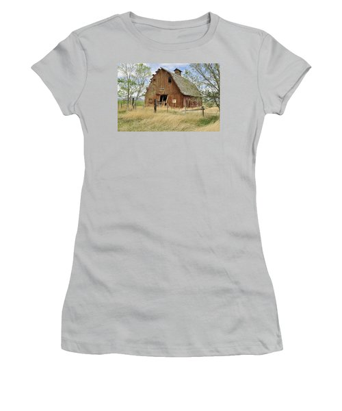 Women's T-Shirt (Junior Cut) featuring the photograph the Barn  by Fran Riley