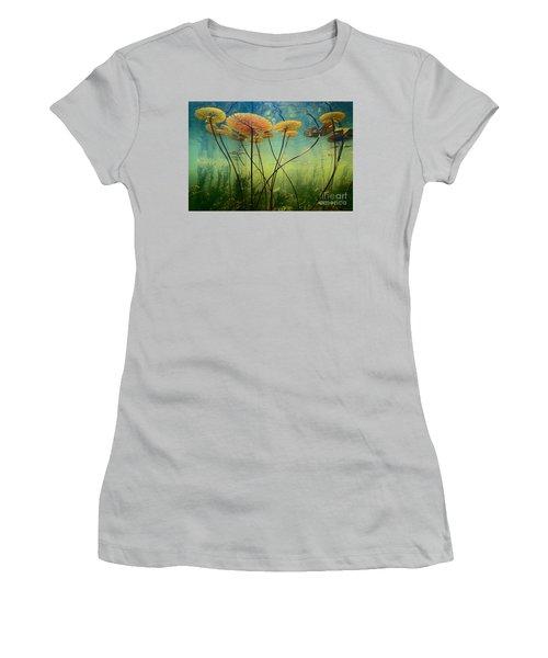 Water Lilies Women's T-Shirt (Junior Cut)