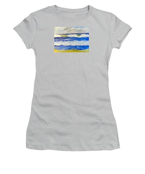 Wave At Bulli Beach Women's T-Shirt (Athletic Fit)