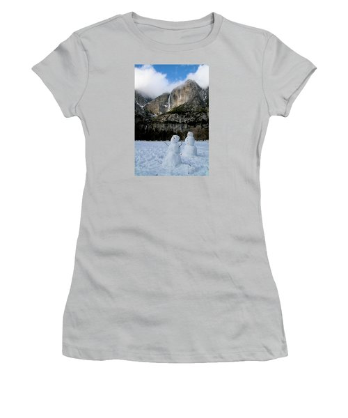 Yosemite Falls Snowmen Women's T-Shirt (Athletic Fit)