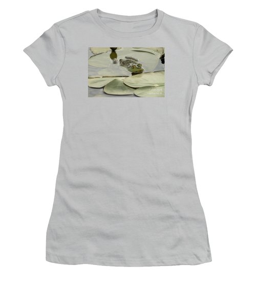 Frog On Lily Pads  Women's T-Shirt (Athletic Fit)