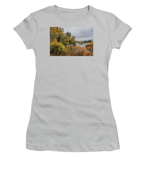 Snake River Greenbelt Walk In Autumn Women's T-Shirt (Junior Cut) by Yeates Photography