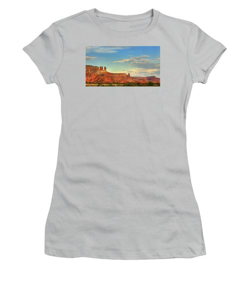 Sunset At Ghost Ranch Women's T-Shirt (Junior Cut) by Alan Vance Ley