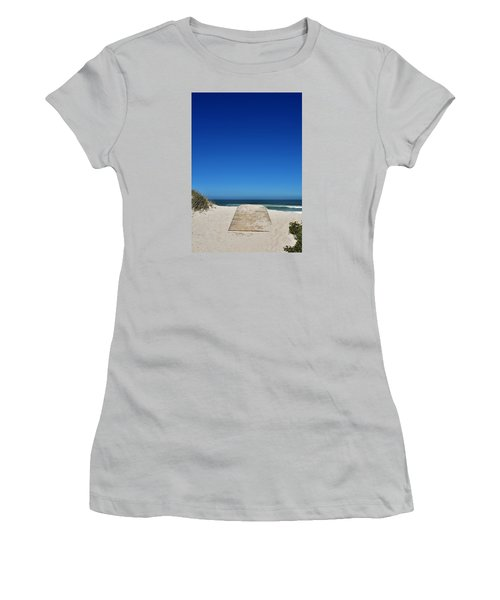 long awaited View Women's T-Shirt (Athletic Fit)