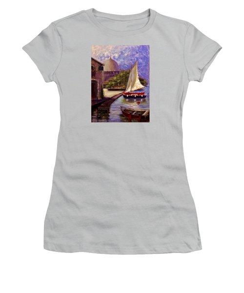 Bienvenue A Yvoire.. Women's T-Shirt (Athletic Fit)