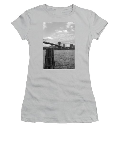 Brooklyn Bridge  Women's T-Shirt (Athletic Fit)
