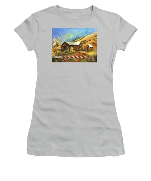 Colorado Shed Women's T-Shirt (Athletic Fit)