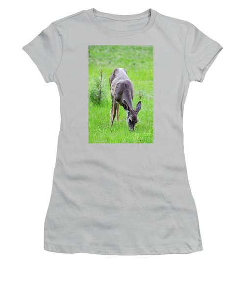 Deer In The Field Women's T-Shirt (Junior Cut) by Debby Pueschel
