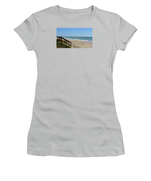 Deserted Women's T-Shirt (Athletic Fit)