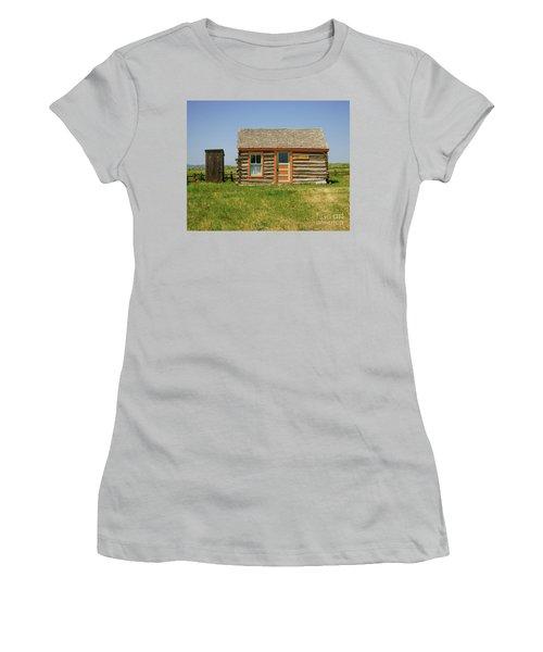 Flueitt Simons Cabin Women's T-Shirt (Athletic Fit)
