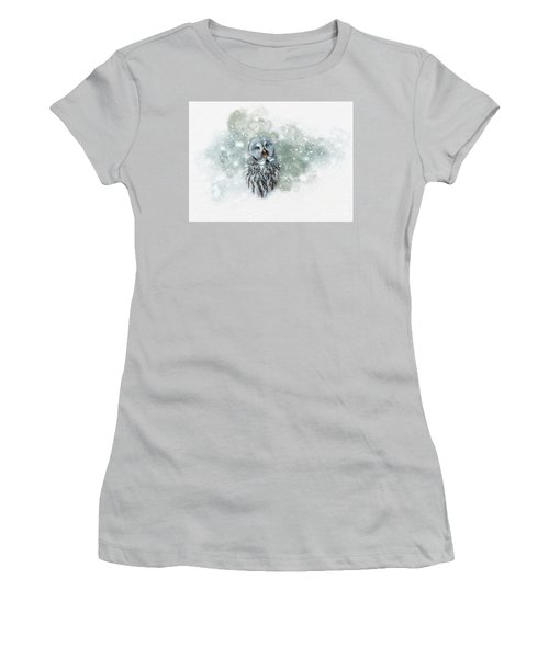 Great Grey Owl In Snowstorm Women's T-Shirt (Athletic Fit)