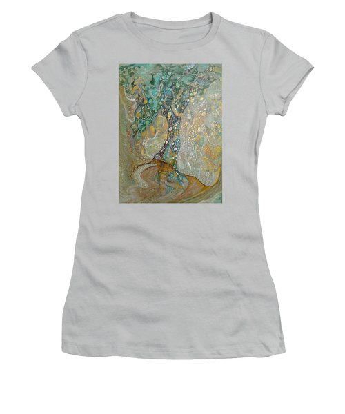 Gustav's Tree Women's T-Shirt (Athletic Fit)