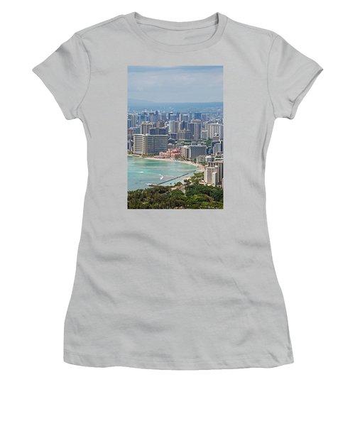 Honolulu Hawaii  Women's T-Shirt (Athletic Fit)