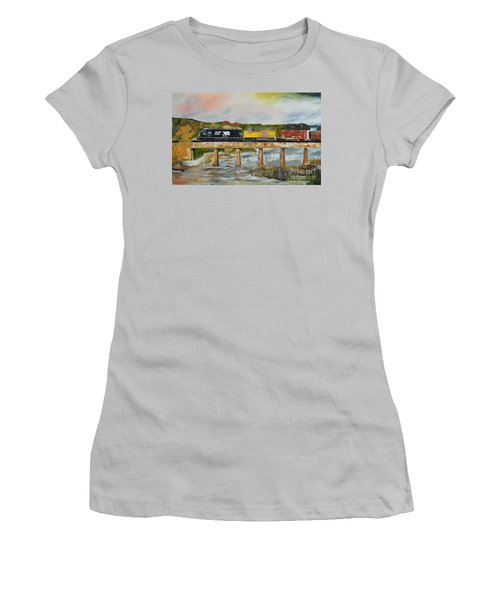 Hooch - Chattahoochee River - Columbus Ga Women's T-Shirt (Athletic Fit)
