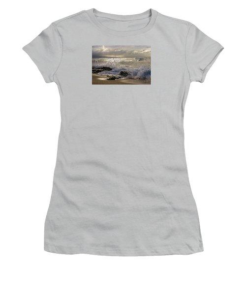 Ho'okipa Beach Maui Women's T-Shirt (Athletic Fit)