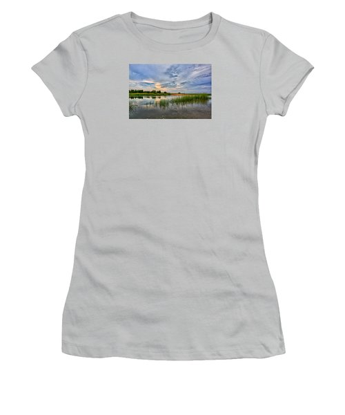 Kings Park Bluffs Women's T-Shirt (Athletic Fit)