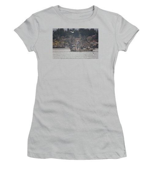 Women's T-Shirt (Junior Cut) featuring the photograph Kwiaahwah by Randy Hall