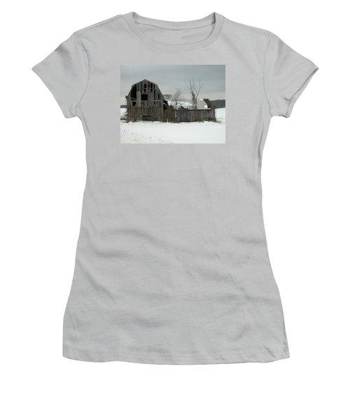 Letchworth Barn 0077b Women's T-Shirt (Athletic Fit)
