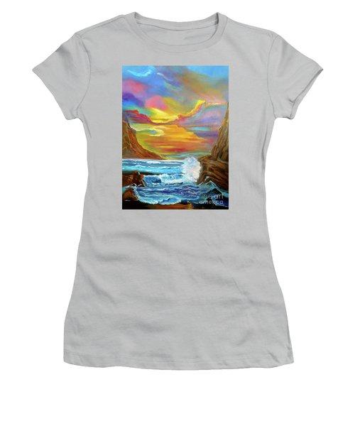 North Shore  Women's T-Shirt (Athletic Fit)