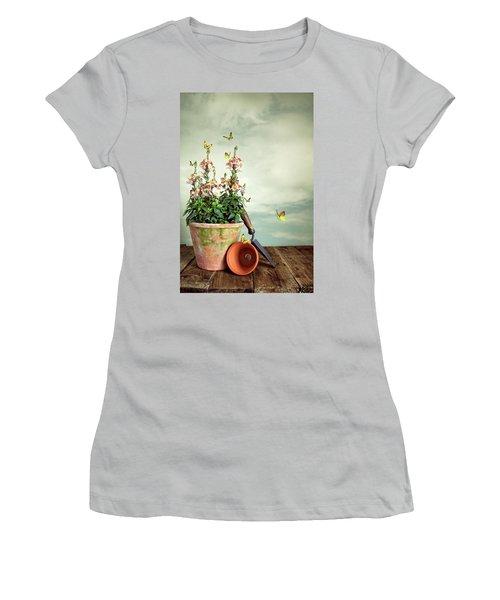 Old Plant Pot Women's T-Shirt (Athletic Fit)