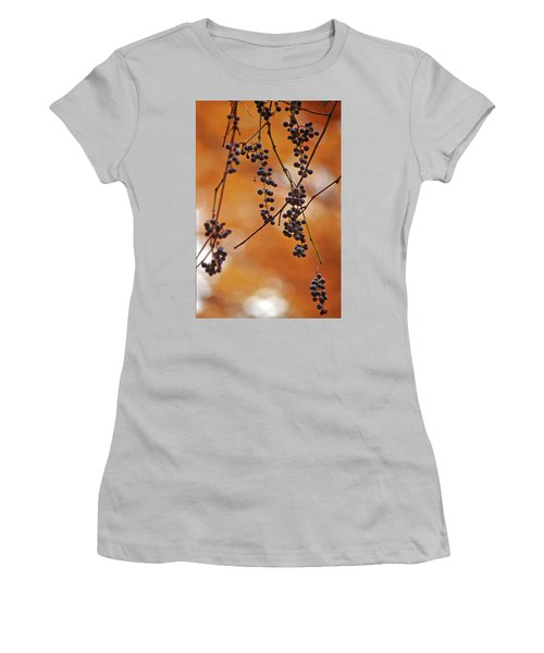 Ripe Wild Grapes  Women's T-Shirt (Athletic Fit)