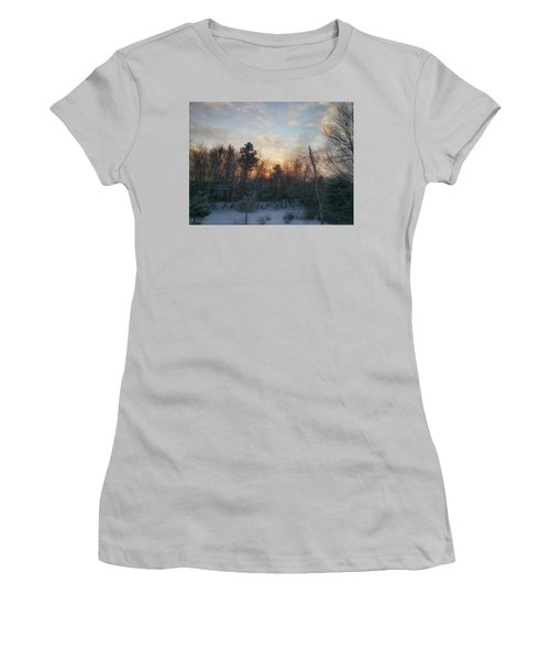 Sundown Winter New England Women's T-Shirt (Athletic Fit)