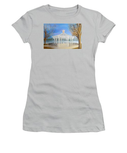 The Bandstand Basingstoke War Memorial Park Women's T-Shirt (Athletic Fit)