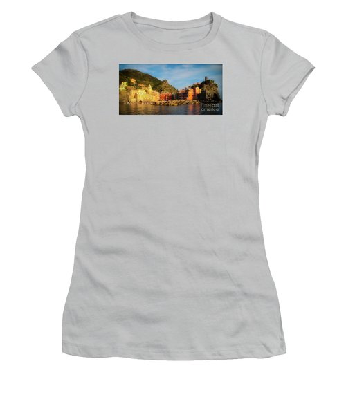 Welcome To Vernazza Women's T-Shirt (Athletic Fit)