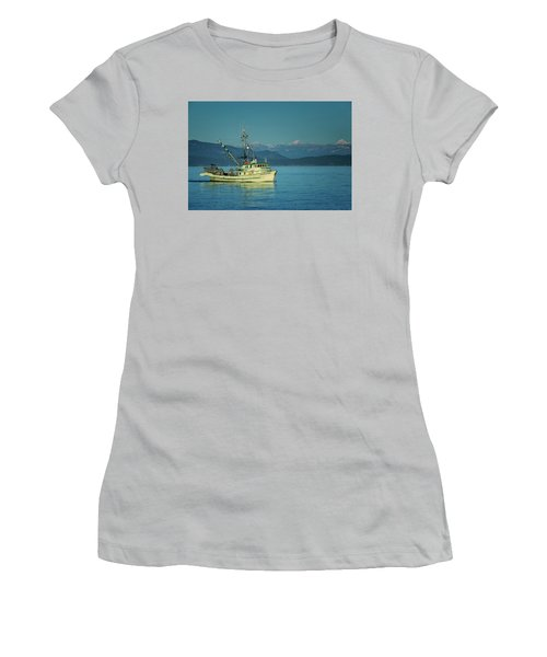 Women's T-Shirt (Junior Cut) featuring the photograph Western King At French Creek by Randy Hall