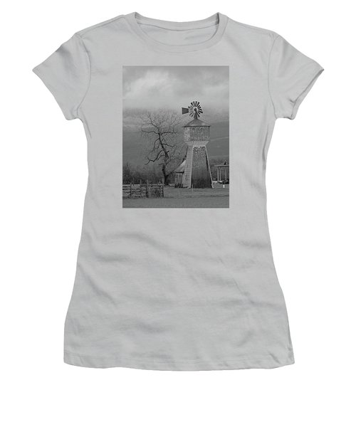 Windmill Of Old Women's T-Shirt (Athletic Fit)
