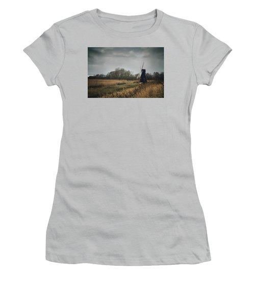 Windpump Women's T-Shirt (Athletic Fit)