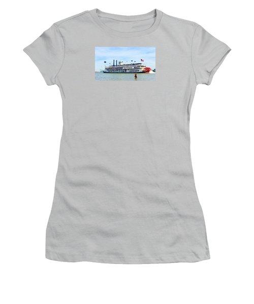 Woman Meets Natchez Women's T-Shirt (Athletic Fit)