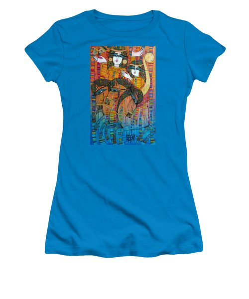 Troyka Women's T-Shirt (Athletic Fit)