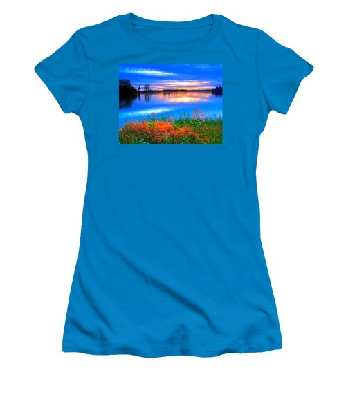 Women's T-Shirt (Junior Cut) featuring the photograph Shoreline Sundown by Randall Branham