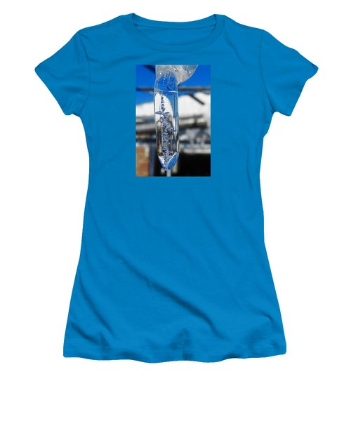 Women's T-Shirt (Junior Cut) featuring the photograph The Droop by Steve Taylor