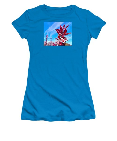 Women's T-Shirt (Junior Cut) featuring the photograph Aglow With Beauty by Randy Rosenberger