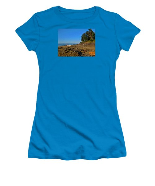 Beach Scene, Berry Point, Gabriola, Bc Women's T-Shirt (Athletic Fit)