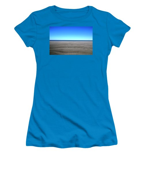 Cold Beach Day Women's T-Shirt (Athletic Fit)