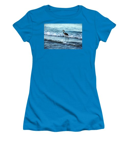 Early Morning Heron Beach Walk Women's T-Shirt (Athletic Fit)