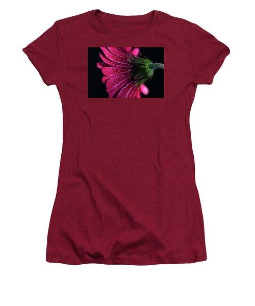 Gerbera Daisy Women's T-Shirt (Athletic Fit)