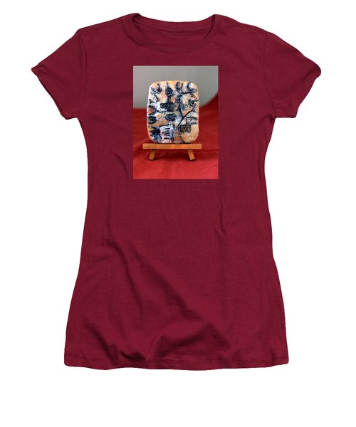 Pensamiento Abstracto Women's T-Shirt (Junior Cut) by Edgar Torres