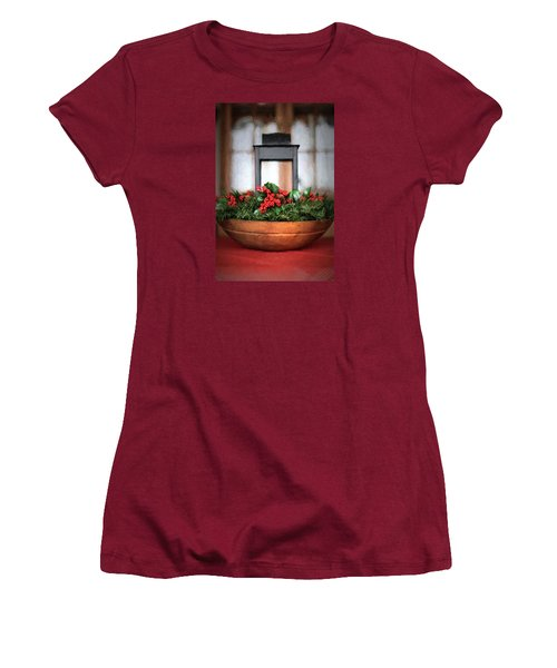 Women's T-Shirt (Junior Cut) featuring the photograph Seasons Greetings Christmas Centerpiece by Shelley Neff