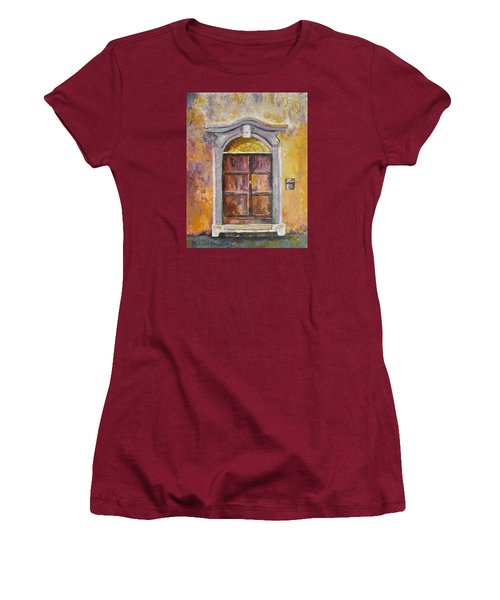 Venice Door Women's T-Shirt (Athletic Fit)