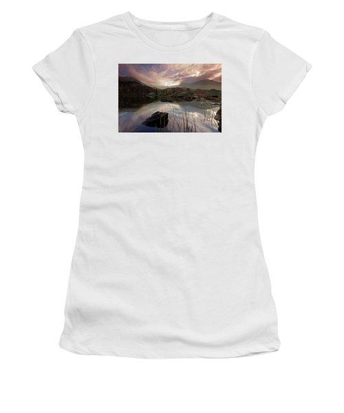 Llyn Ogwen Sunset Women's T-Shirt (Athletic Fit)