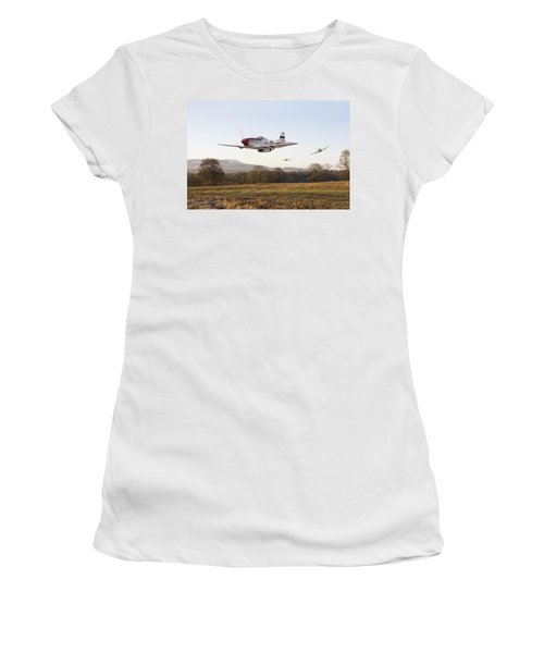Through The Gap Women's T-Shirt (Athletic Fit)